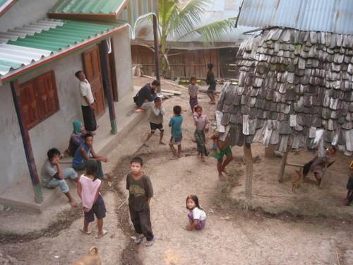 ウルルン滞在記的ステイ ウルルン滞在記的ステイ ルアンパバーン付近,ラオス 2006年9月13.
